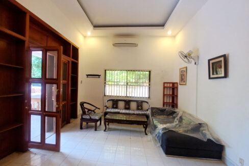 Green Garden 3 Beds Villa With Pool For Rent @ BKK 1 Img1