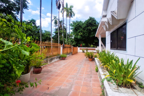Green Garden 3 Beds Villa With Pool For Rent @ BKK 1 Img11