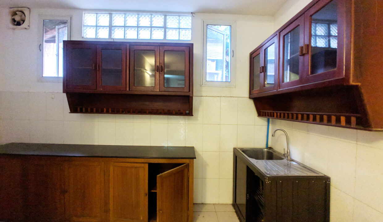Green Garden 3 Beds Villa With Pool For Rent @ BKK 1 Img6