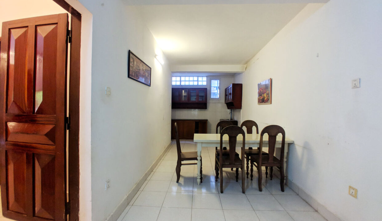 Green Garden 3 Beds Villa With Pool For Rent @ BKK 1 Img7