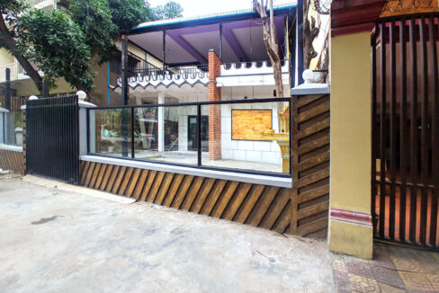 House For Rent Near Independence Monument In Tonle Bassak Area Img4