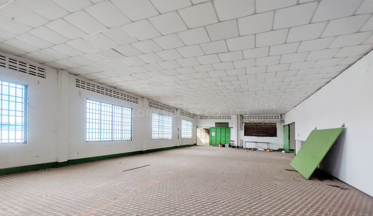 Main Road Business Warehouse For Rent Near AEON Mall 2 Img1