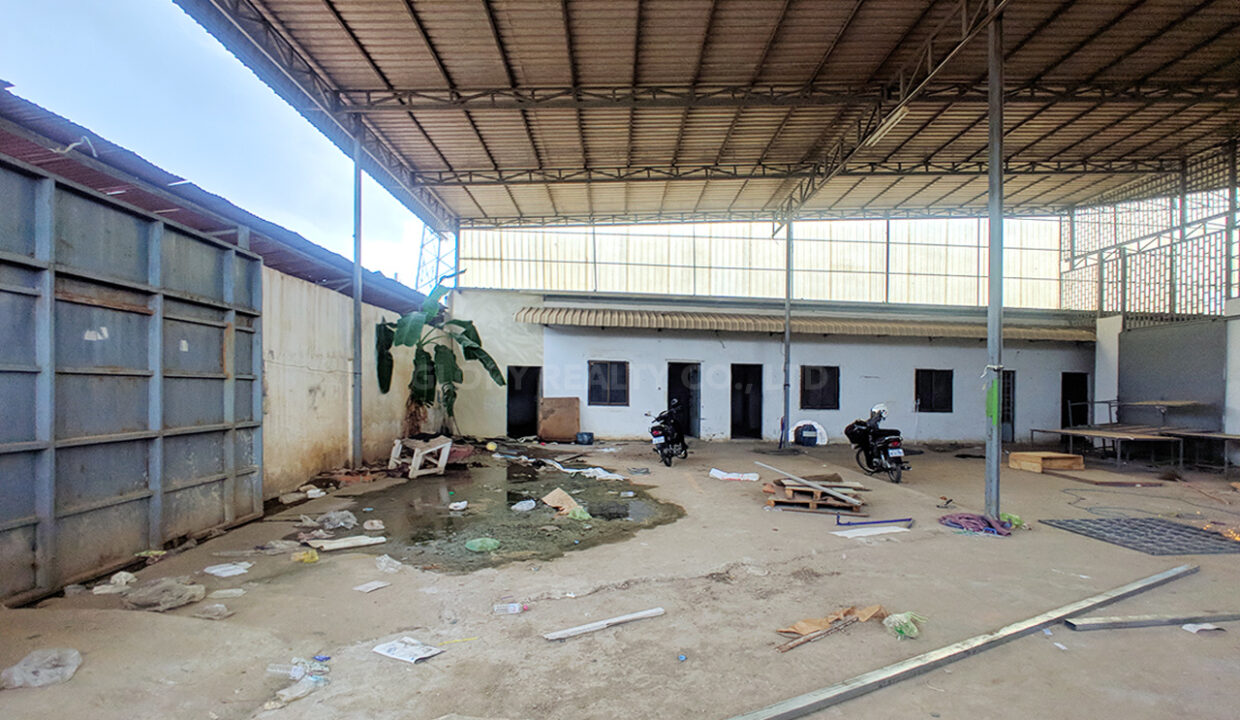 Main Road Business Warehouse For Rent Near AEON Mall 2 Img2