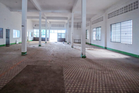 Main Road Business Warehouse For Rent Near AEON Mall 2 Img3