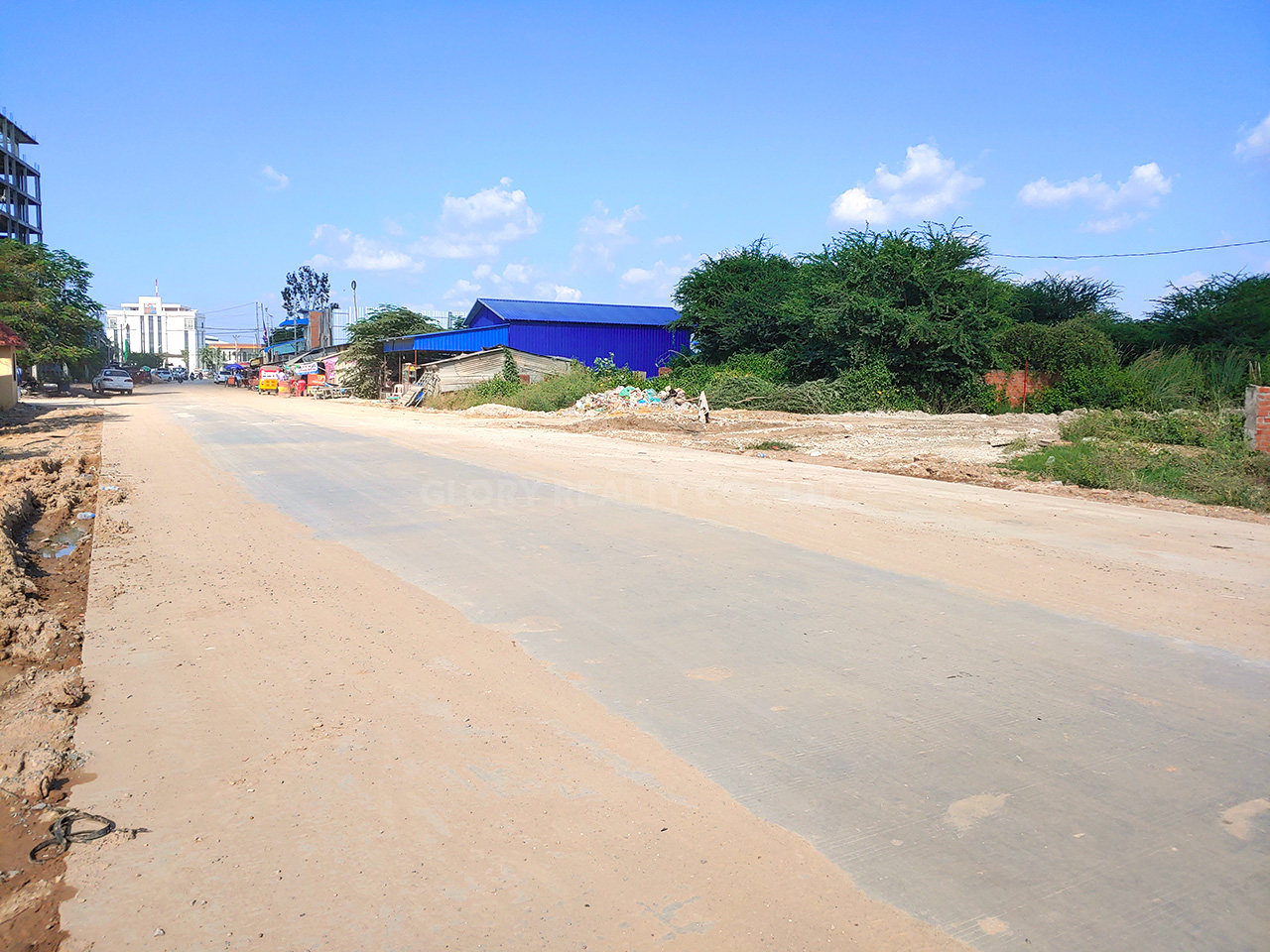 Very urgent land for sale just 200 m away from St. Chea Sophara