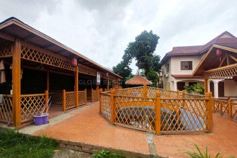 Restaurant With 2 Villa In Big Land 2400 SQM For Rent @ Toul Kork Img3
