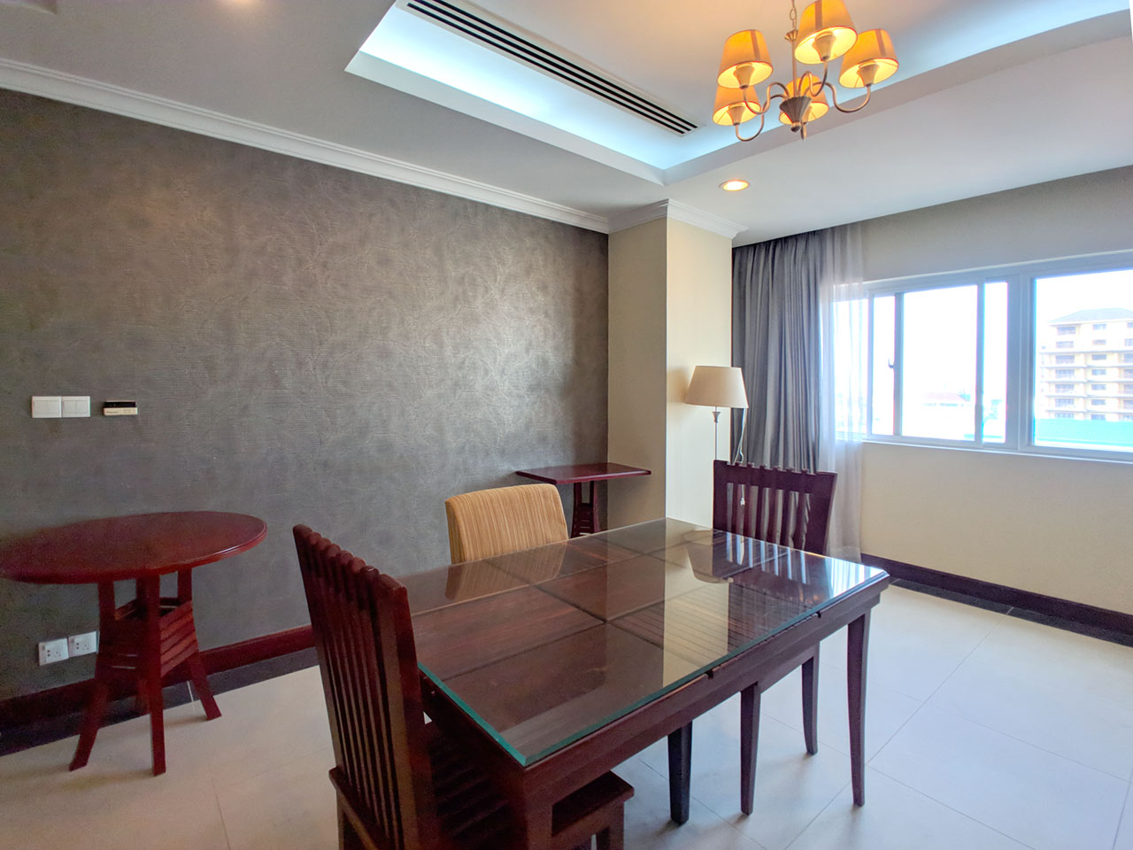 The stunning 3 beds apartment for rent @ Toul Kork area