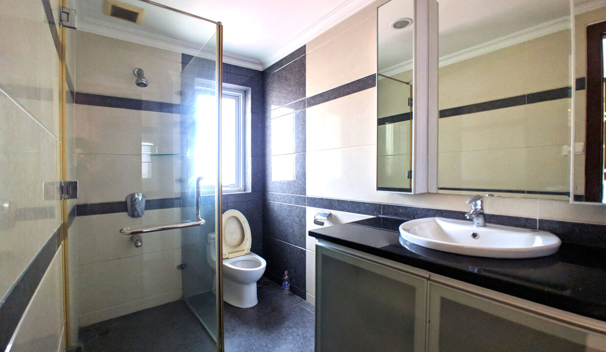 The Stunning 3 Beds Apartment For Rent @ Toul Kork Area Img6