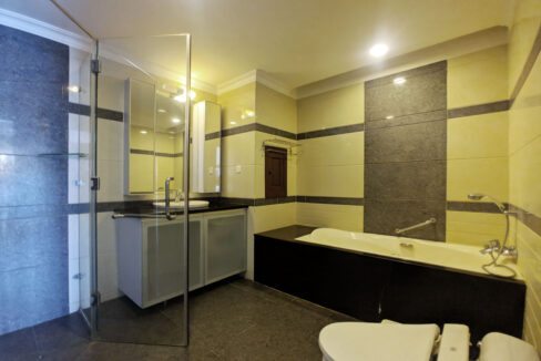The Stunning 3 Beds Apartment For Rent @ Toul Kork Area Img7