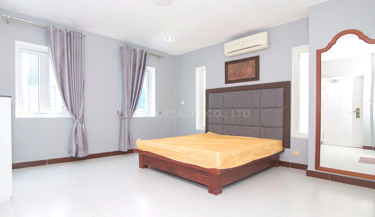 The Whole 15 Room Apartment For Rent @ BKK 3 Img12