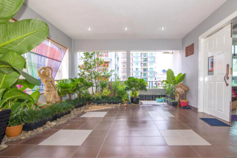 The Whole 15 Room Apartment For Rent @ BKK 3 Img14
