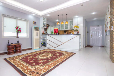 The Whole 15 Room Apartment For Rent @ BKK 3 Img3