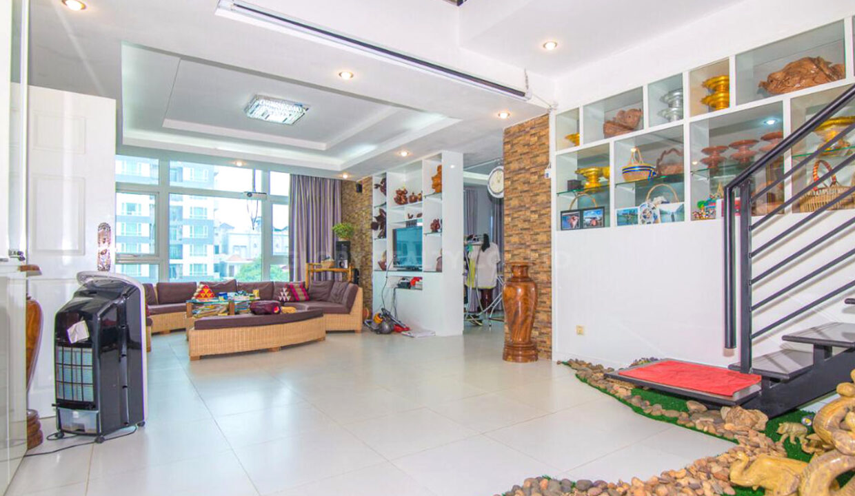 The Whole 15 Room Apartment For Rent @ BKK 3 Img5