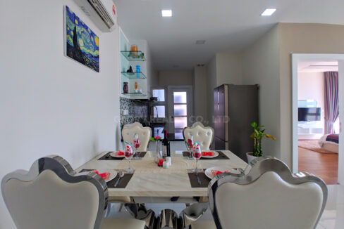 Very Urgent High End Condo Unit For Sale @ Chroy Changvar Area Img1