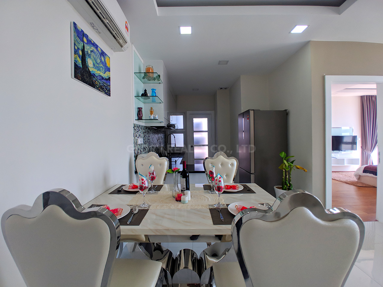 Very urgent high end condo unit for sale @ Chroy Changvar area