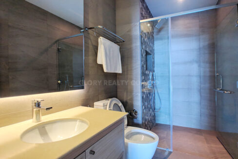 Very Urgent High End Condo Unit For Sale @ Chroy Changvar Area Img11