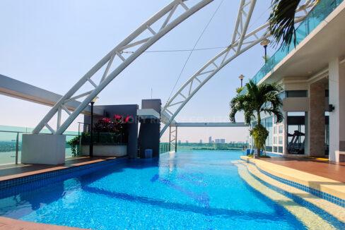 Very Urgent High End Condo Unit For Sale @ Chroy Changvar Area Img15