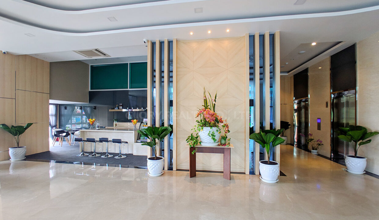 Very Urgent High End Condo Unit For Sale @ Chroy Changvar Area Img17
