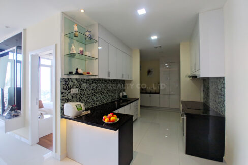 Very Urgent High End Condo Unit For Sale @ Chroy Changvar Area Img2