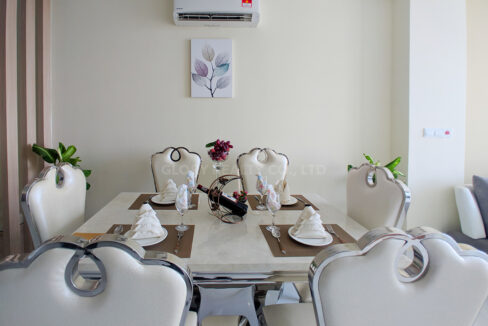 Very Urgent High End Condo Unit For Sale @ Chroy Changvar Area Img4