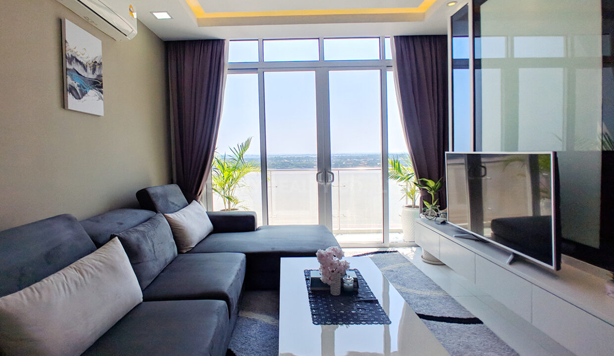 Very Urgent High End Condo Unit For Sale @ Chroy Changvar Area Img6