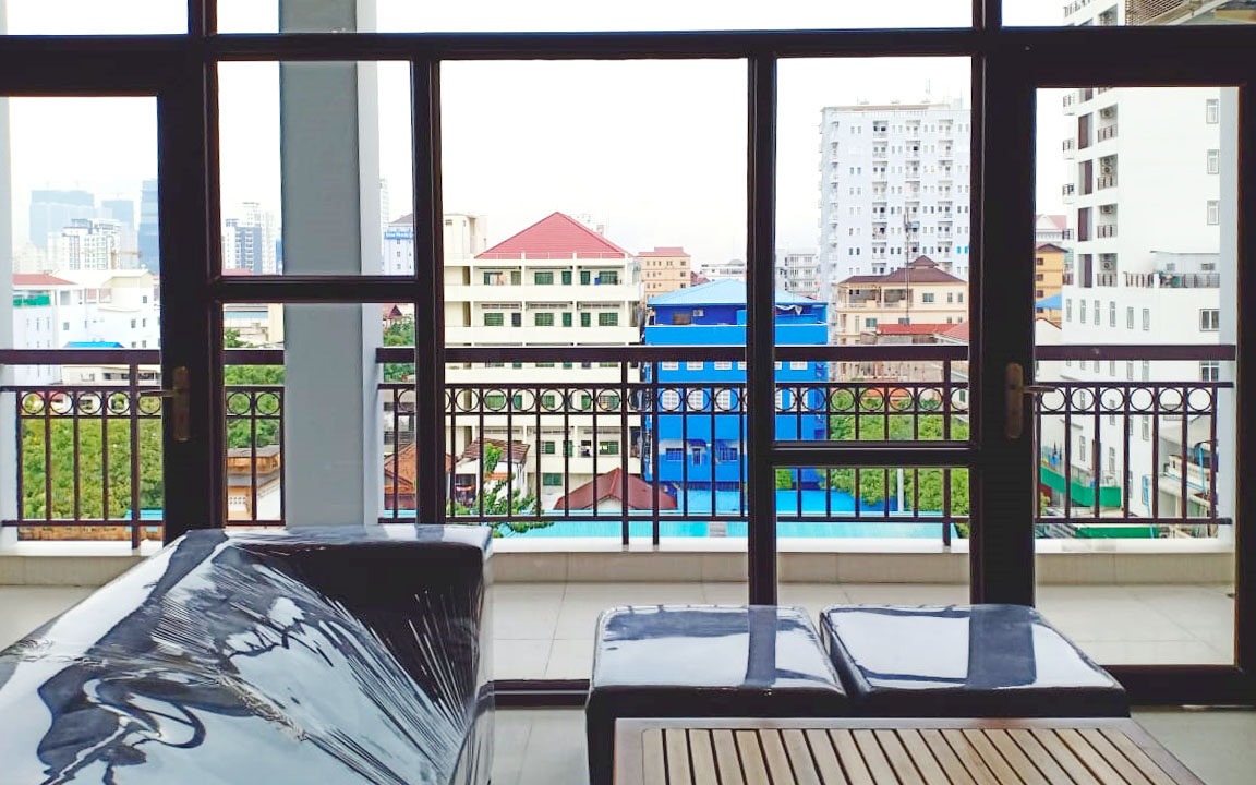 Whole Floor 3 Beds Penthouse For Rent @ Toul Tumpoung Img2