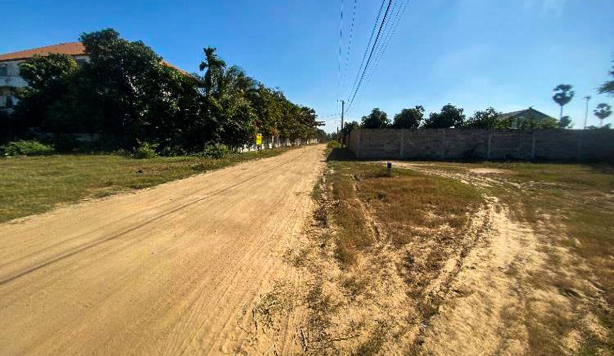 5.4 Hectares Land For Sale Kampong Speu Province Img3