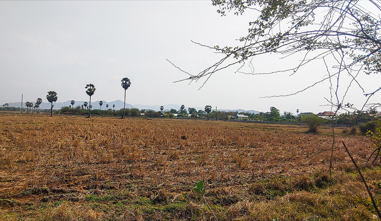 5.7 Hectares Land For Sale Along NR4, Kampong Speu Img2