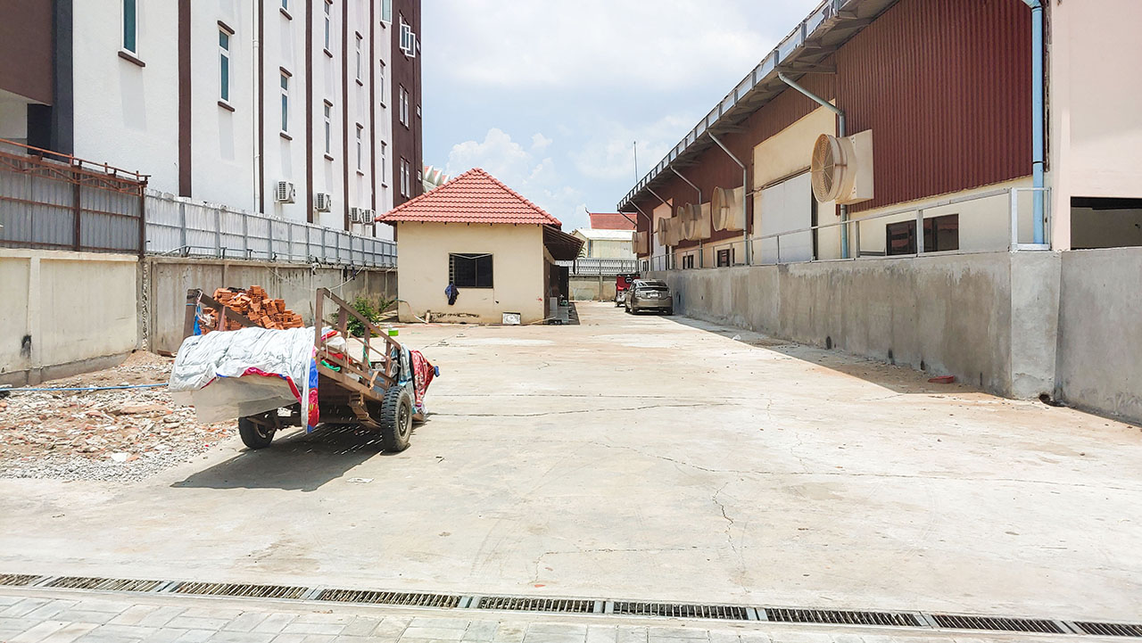 780 Sq.m business land for Rent along Mong Reththy main street