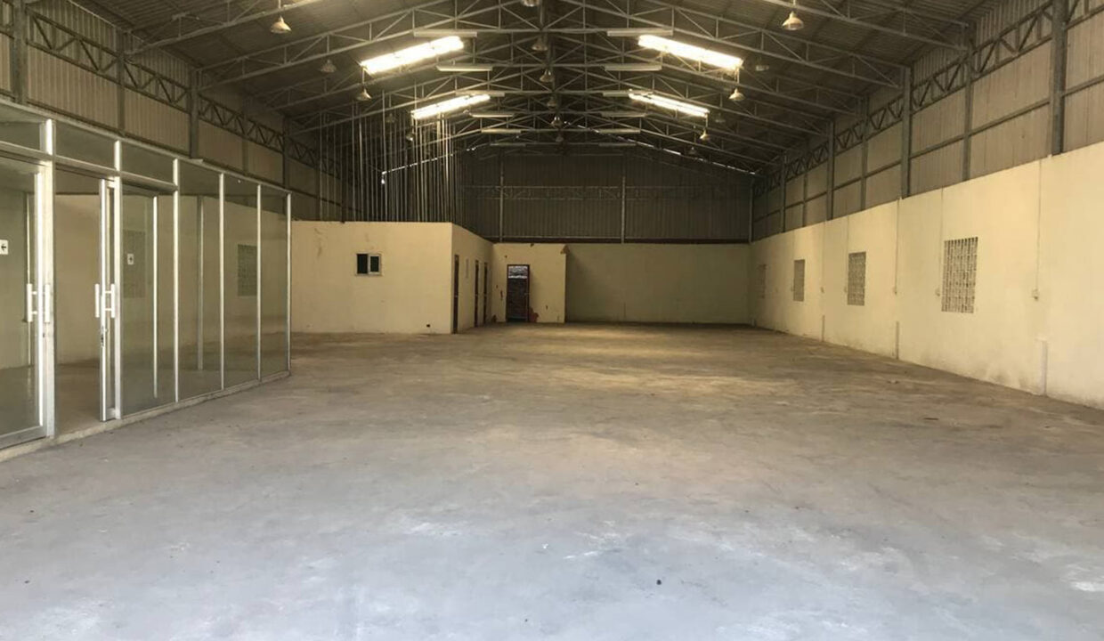 468 Sq.m Warehouse For Rent With A Big Road Access Img3