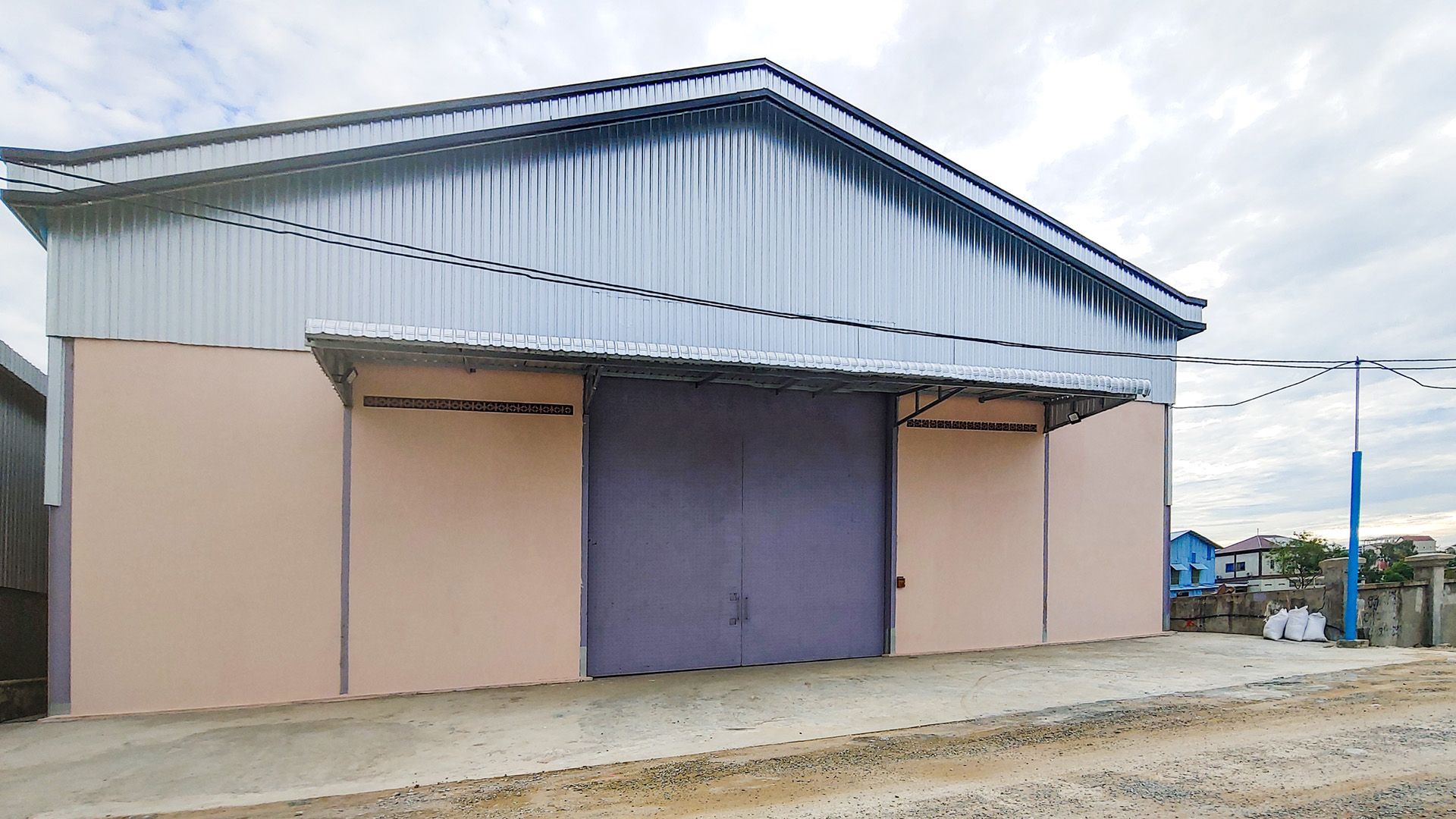 Nice-build warehouse for rent – closed to Wat Samroung Andet
