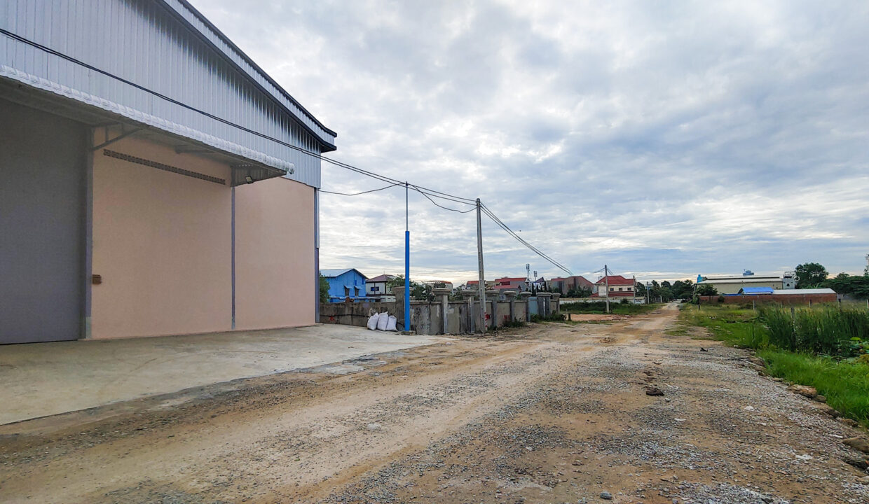 Nice Build Warehouse For Rent Closed To Wat Samroung Andet Img2
