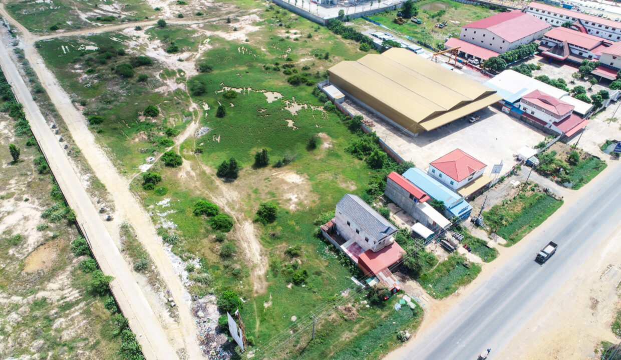 3.4 Hectares Land For Sale Along National Road No. 4 Img3